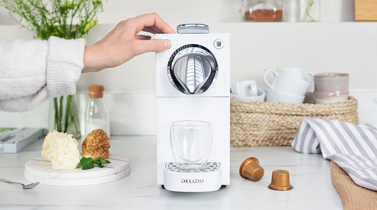 La macchina da caffè Una Automatic è un gioco da ragazzi. Il vero piacere del caffè al tocco di un pulsante.